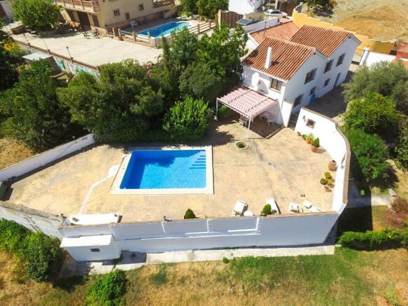 4. House & pool
