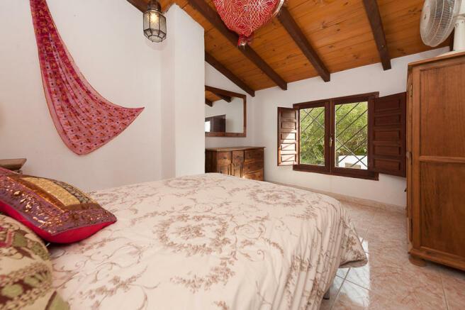 Apart 2. Bedroom 2