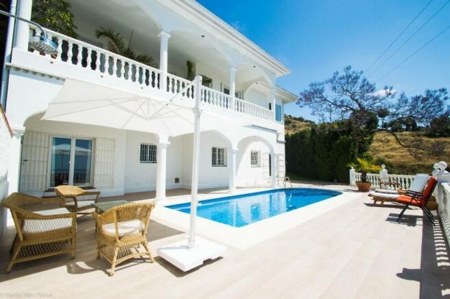 House & pool.