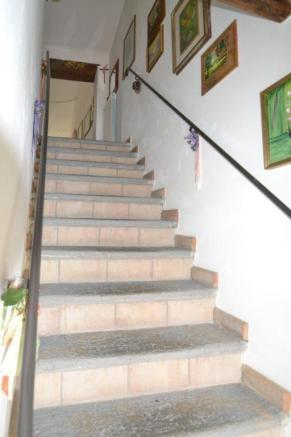 stairs to 2nd floor