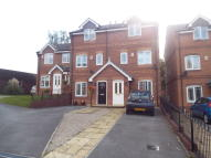 Town House to rent in Blackthorn Drive...