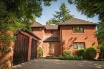 4 bed Detached house in Stevens Lane, Claygate...