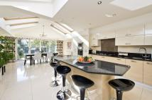4 bed Terraced house for sale in Wingate Road, London, W6