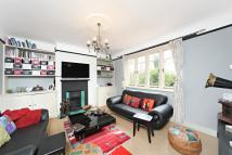 1 bed Flat to rent in Acacia Road, London, W3