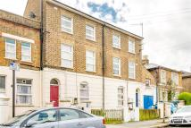 Studio flat in Mill Hill Road, London...