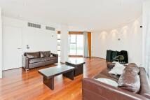 3 bedroom Duplex in Falcon Wharf...