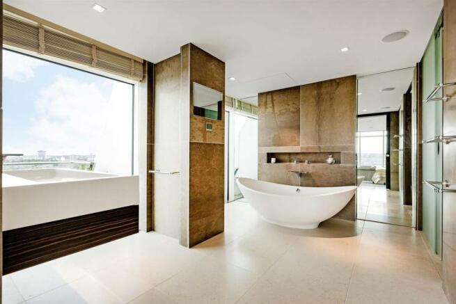 Bathroom (3).jpg