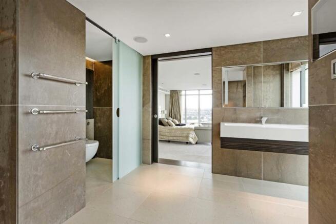 Bathroom (5).jpg