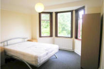 2 bed Flat in Riffel Road, Kilburn, NW2