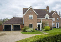 5 bed Detached property for sale in Bury St Edmunds, Suffolk