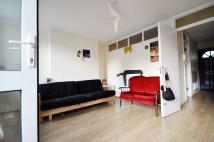 Maisonette to rent in Plaistow Grove, Stratford