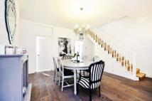 2 bed Flat in Finborough Road, Chelsea...