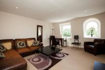 Flat to rent in Redcliffe Square...