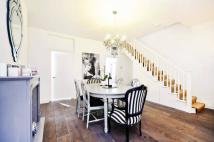 2 bed Flat to rent in Finborough Road, Chelsea...