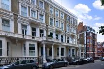 Flat in Earls Court Square...