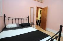 2 bed Studio flat to rent in Finchley Road, London...