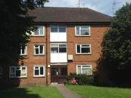 Flat to rent in Kingsway, Stourbridge...