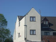 3 bedroom Flat to rent in High Street, Pensnett...