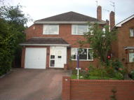Detached house to rent in Oakfield Avenue...