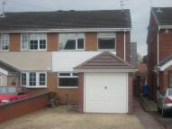3 bedroom semi detached property to rent in Dubarry Avenue...