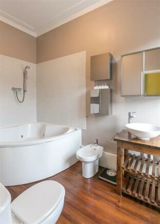 EnSuite Bathroom (Be