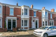 3 bed Flat in Hazelwood Avenue...
