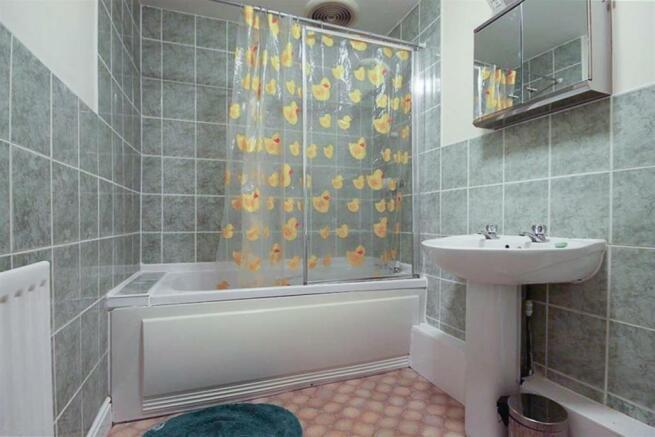 Bathroom (No. 5)