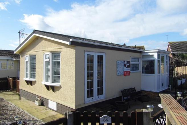1 Bedroom Mobile Home For Sale In Applegarth Park Whitstable