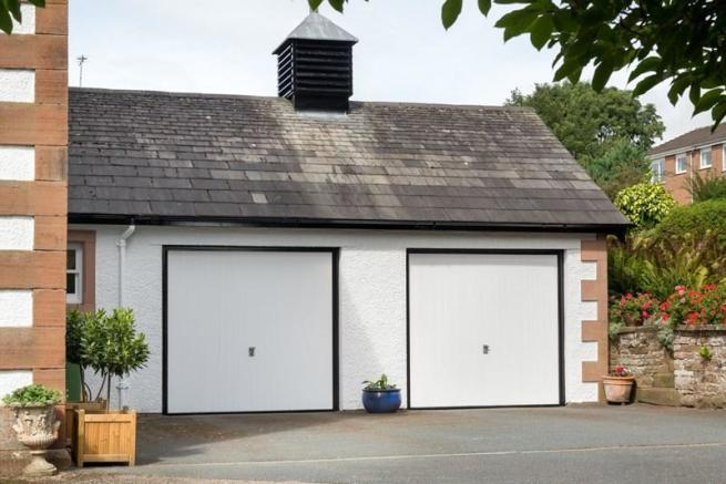 Garages and pa...