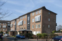2 bed Flat in Paveley Drive, London...