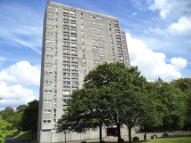 Flat in West Court, Dalmuir...