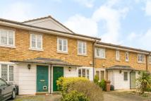 2 bedroom house in Royal Close...