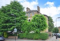 2 bedroom Flat for sale in Evering Road...