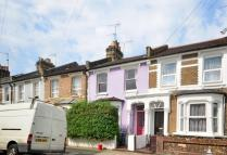 3 bed property in Leswin Road...