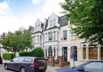 4 bed property for sale in Clissold Crescent...