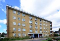 2 bed Flat in Prout Road...