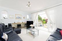 5 bedroom home for sale in Kingsway Crescent...