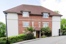 2 bedroom Flat in Cottage Close...