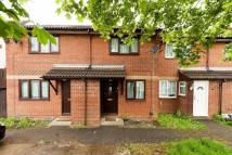 2 bedroom house for sale in Rayners Lane...
