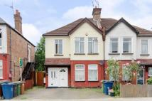 2 bed Flat for sale in Hamilton Road, Harrow...
