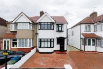 4 bedroom house for sale in Locket Road, Wealdstone...