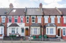 Flat for sale in Masons Avenue...