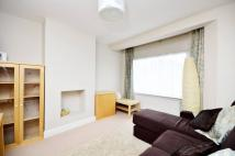1 bedroom Flat in Wyvenhoe Road...