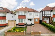 4 bed home in Barn Way, Wembley, HA9