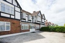 5 bed Detached property for sale in Kenton Road, Kenton, HA3