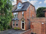 4 bedroom semi detached property in Oxford Road, Abingdon