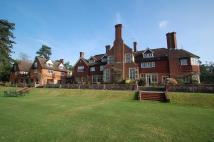 Flat for sale in Framewood Manor...