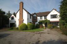 6 bed Detached home in Latchmoor Way...
