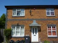 3 bed property in Hawker Close, ...