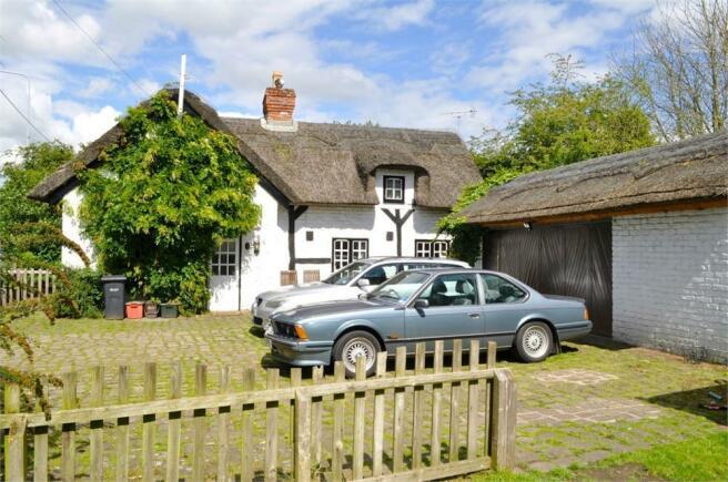 3 bedroom cottage for sale in warrington road little. Black Bedroom Furniture Sets. Home Design Ideas